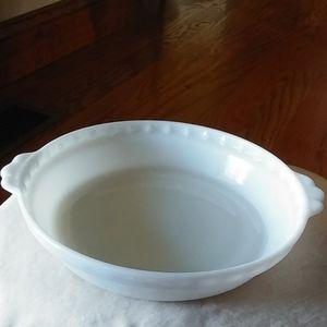 Fab Vtg Pyrex milk glass pie plate